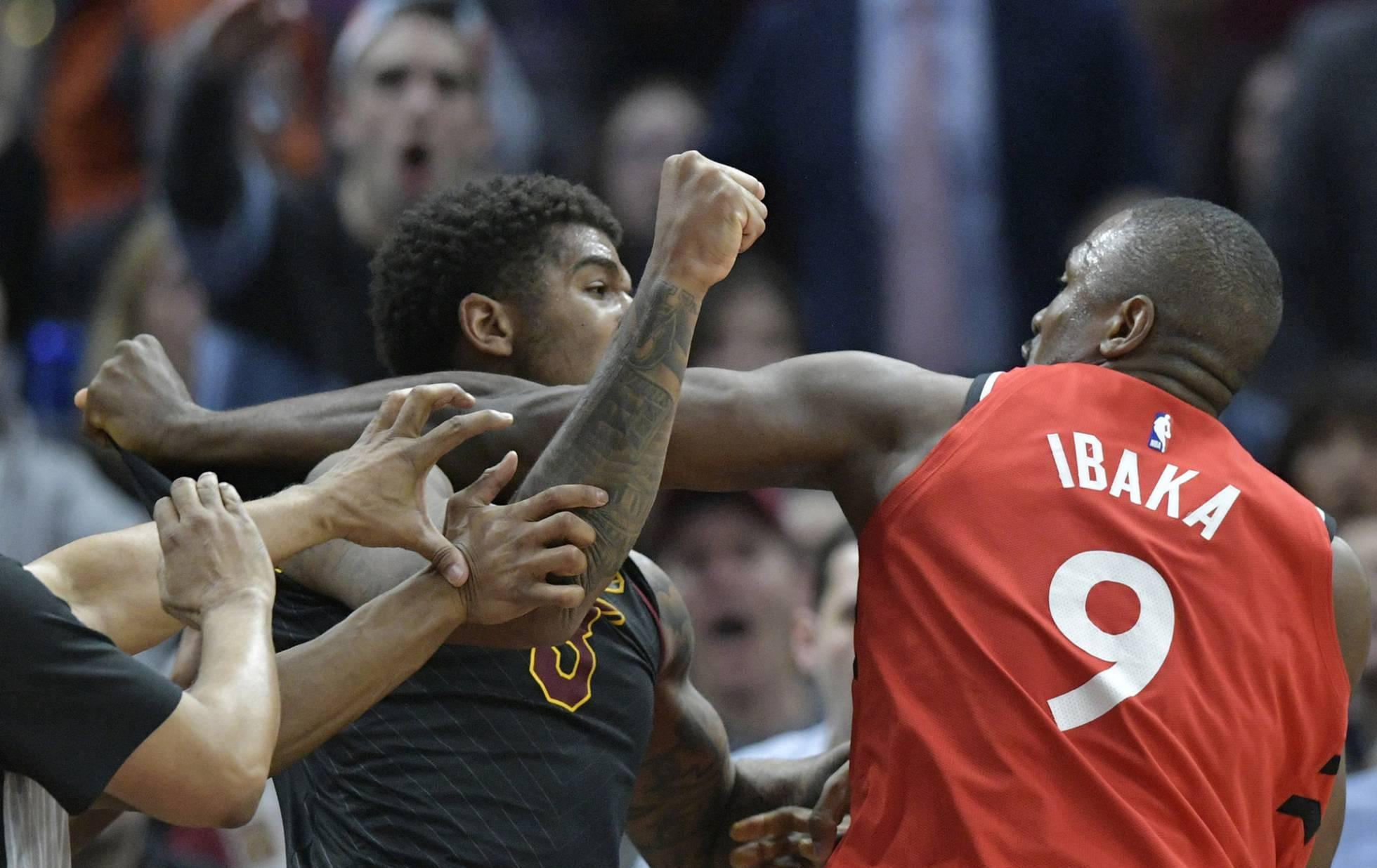 Ibaka pierde los estribos y se lía a puñetazos con Chriss